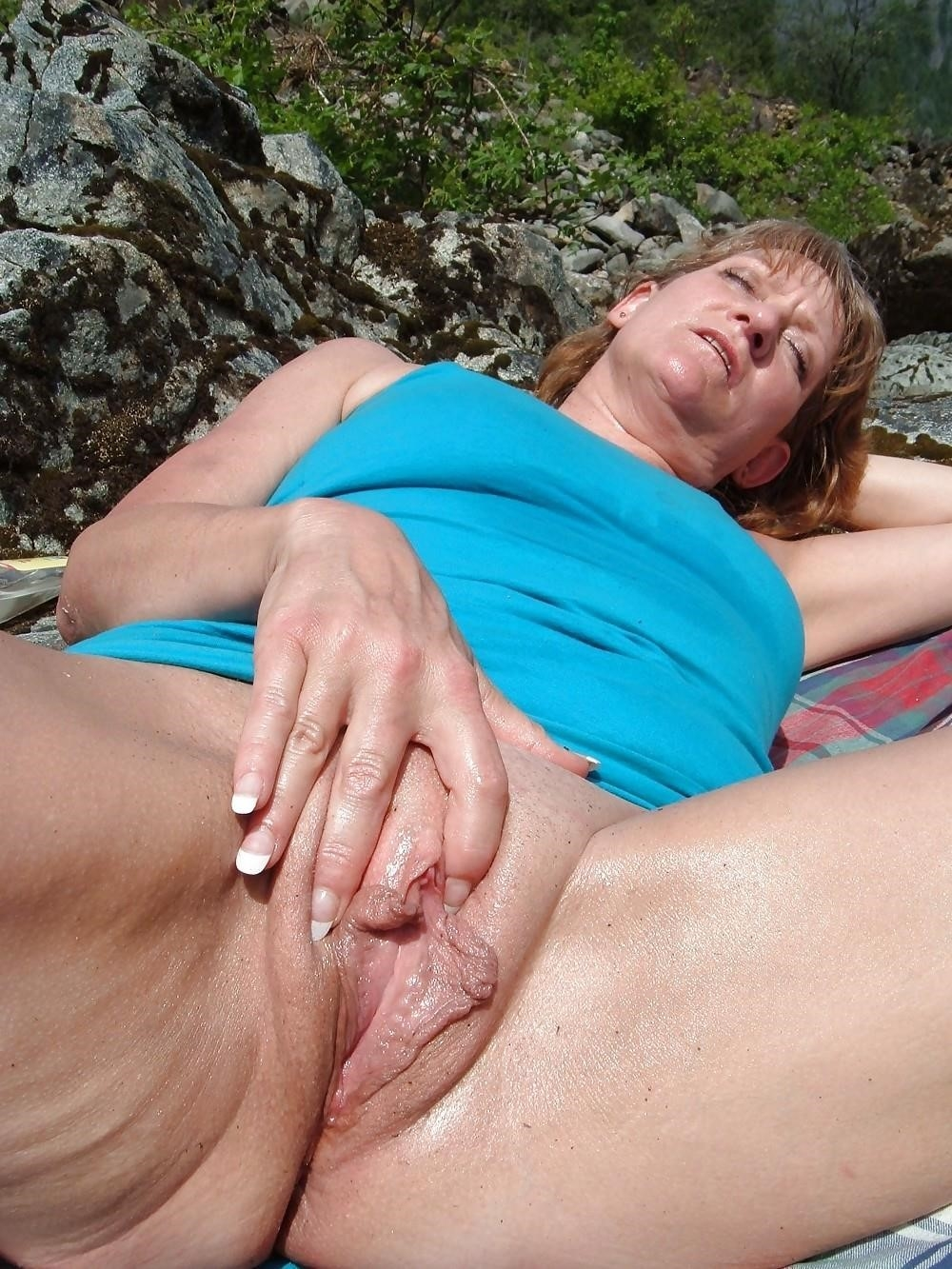 Big clit and large labia-8555