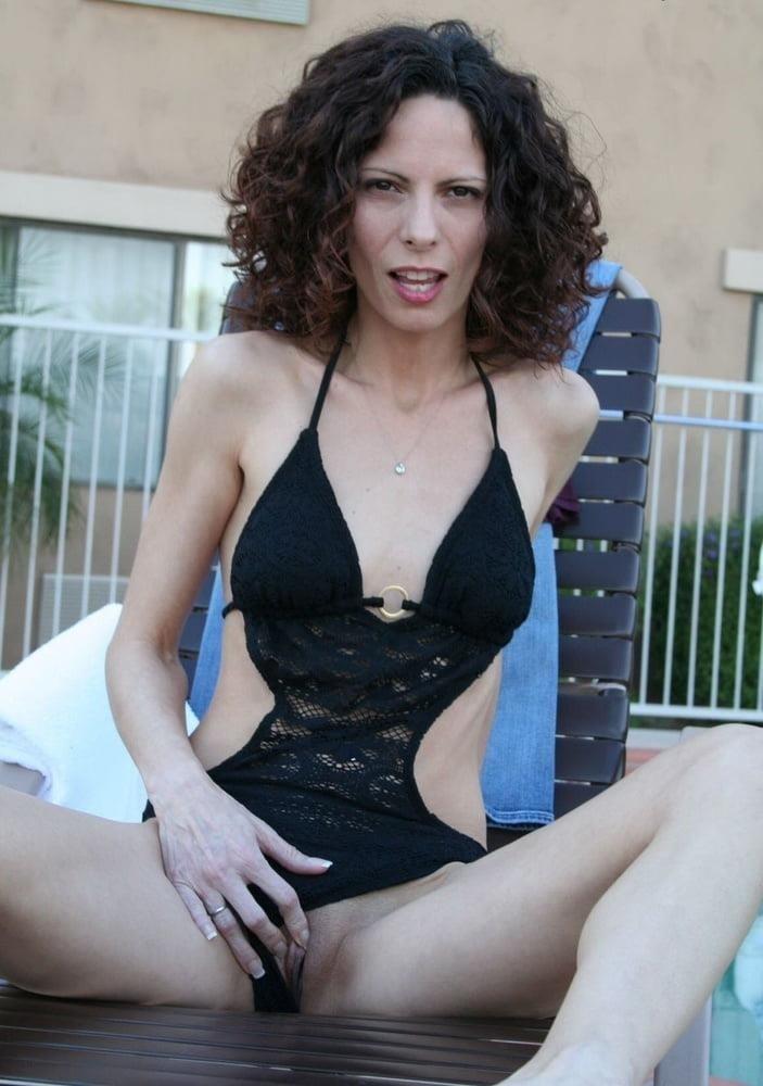 Thin mature nude-4143