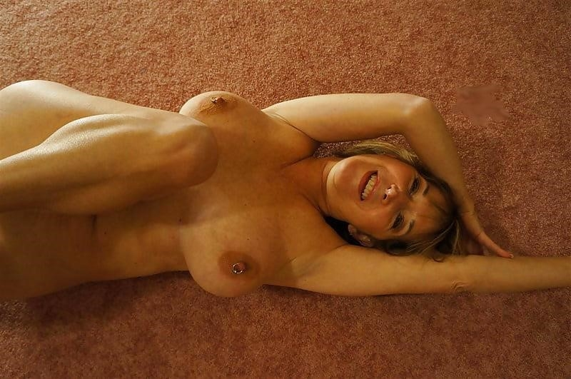 Gorgeous milf with big tits-3313