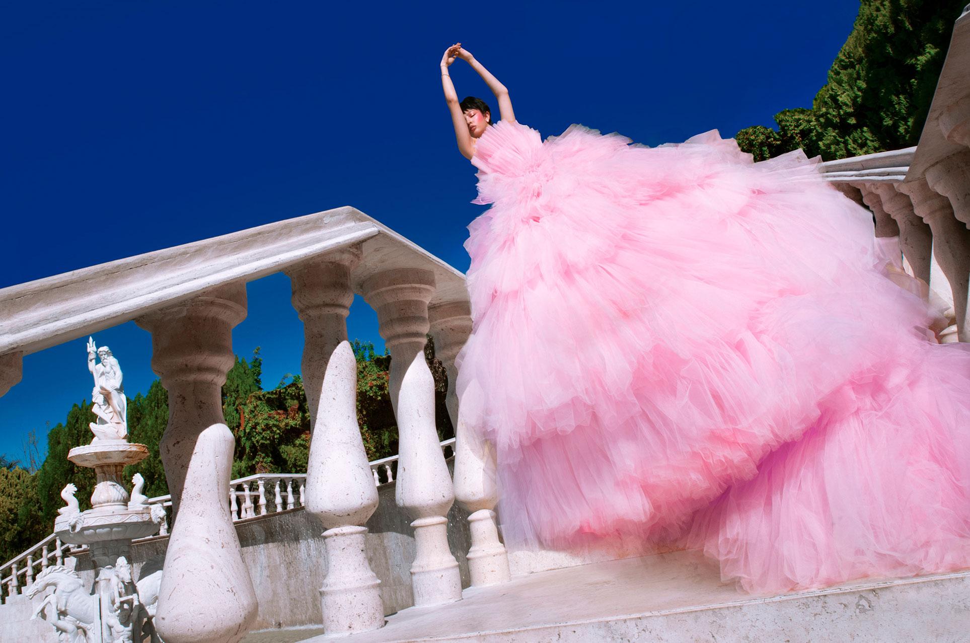 Три грации в рекламной кампании модной одежды Edher Gin, сезон весна-лето 2020 / фото 05