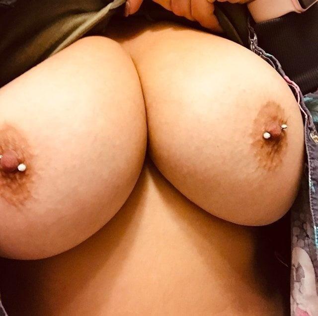 Milf big tits pics-7100