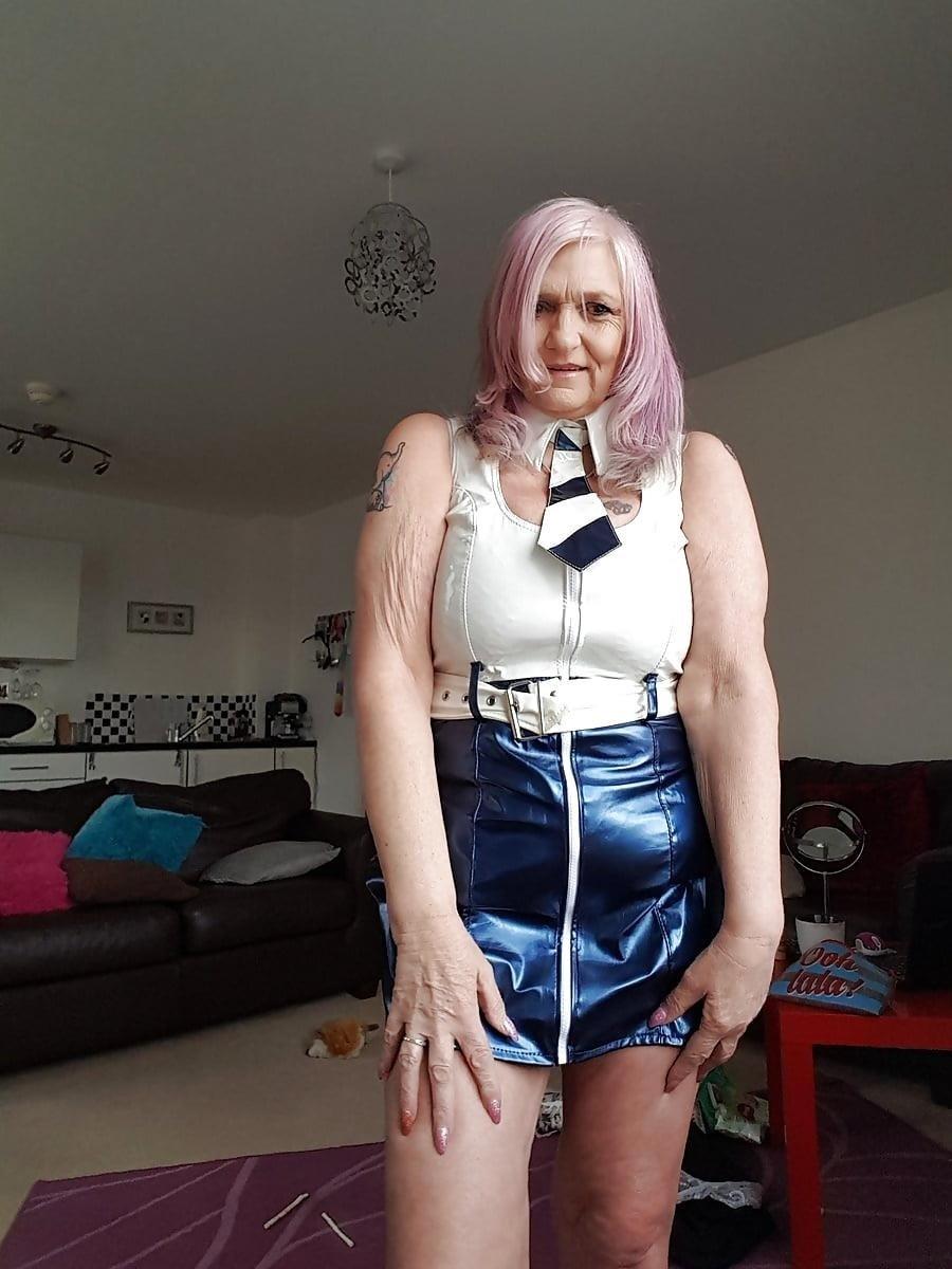 Sexy boobs feeding-4571