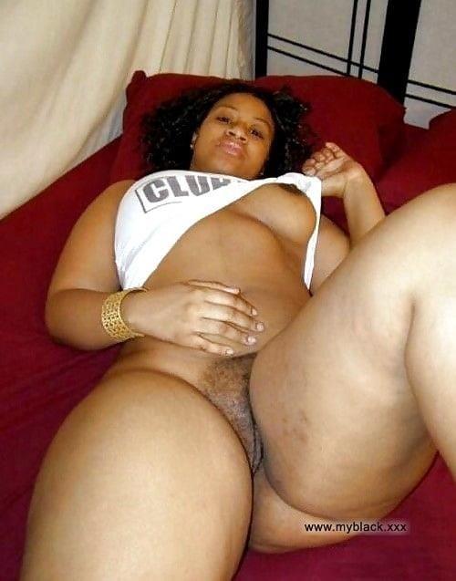 Black curvy nude women-1605