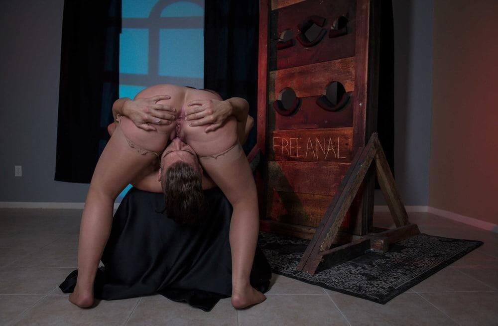 Free hot mom anal-6158
