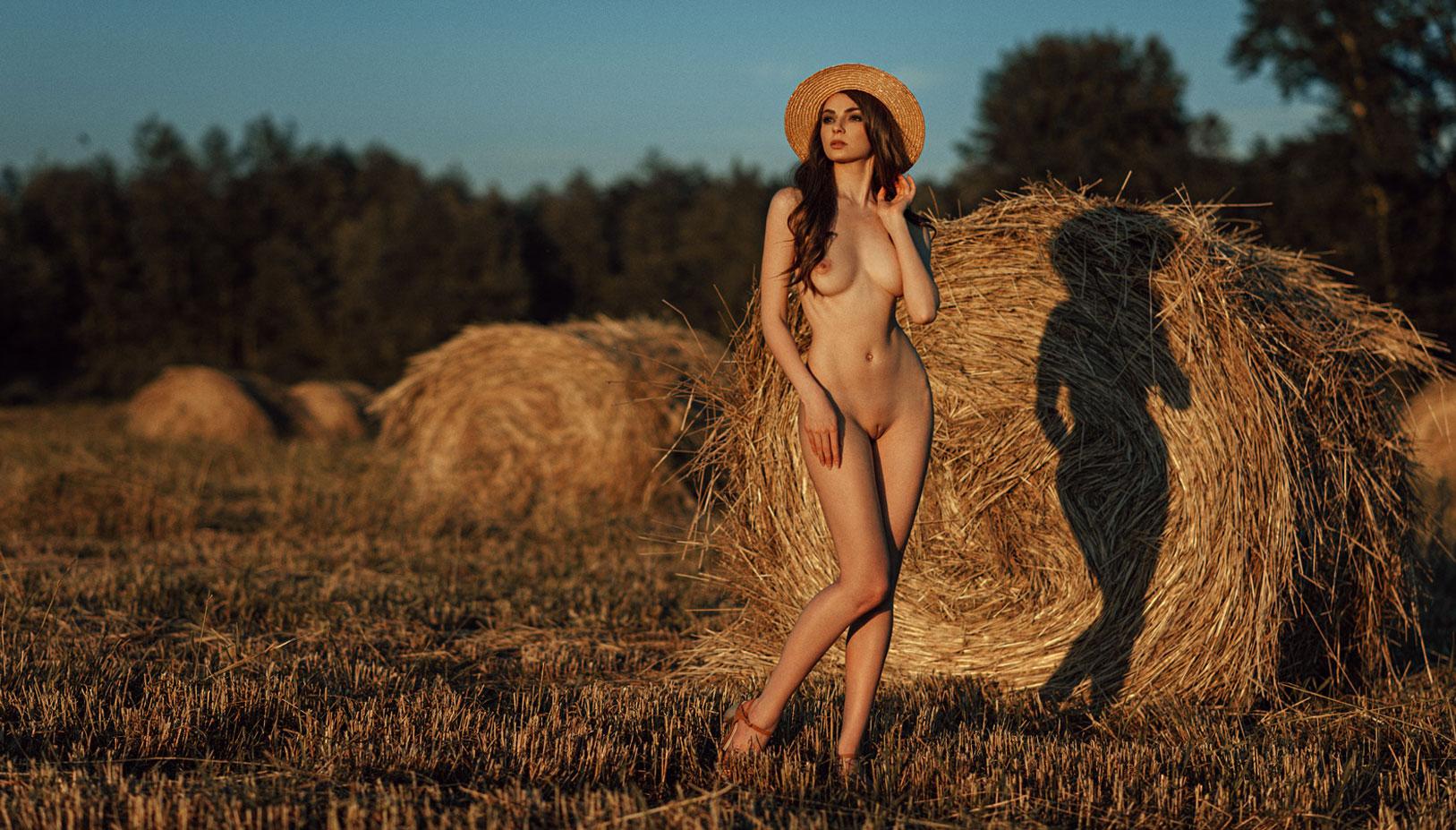 Сексуальные голые девушки на природе / фото 11