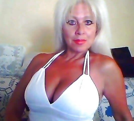 Naked young big tits-9275
