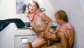 Lynx Canon - Свиданка в туалете на борту самолёта / Debbie Does 'Em All (1985)