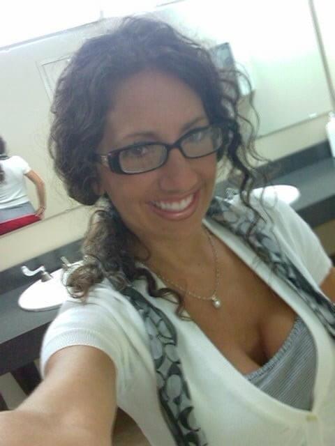 Free brunette milf pics-4156