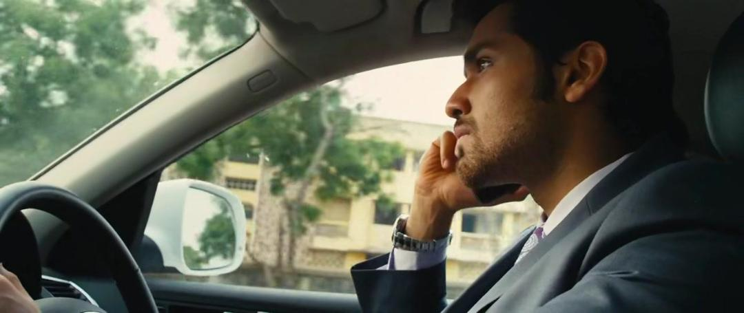 Velaiyilla Pattathari VIP (2014) UNCUT 720p HDRip HEVC [Dual Audio][Hindi+Tamil]