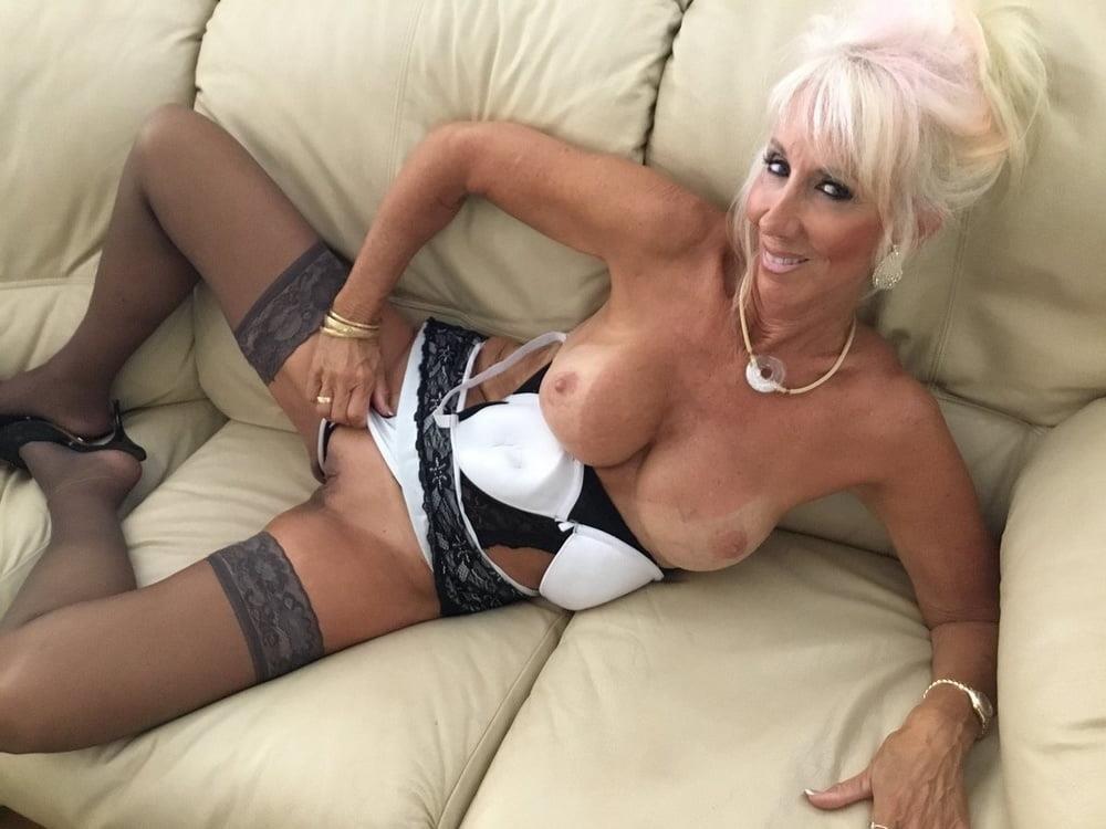 Amateur granny stockings pics-4911