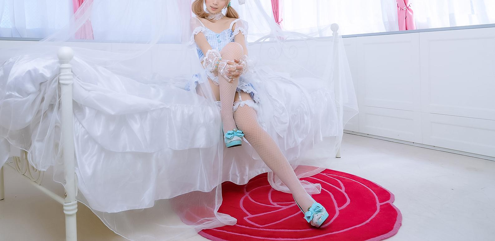 lWbcViIj o - 白网里的兔子
