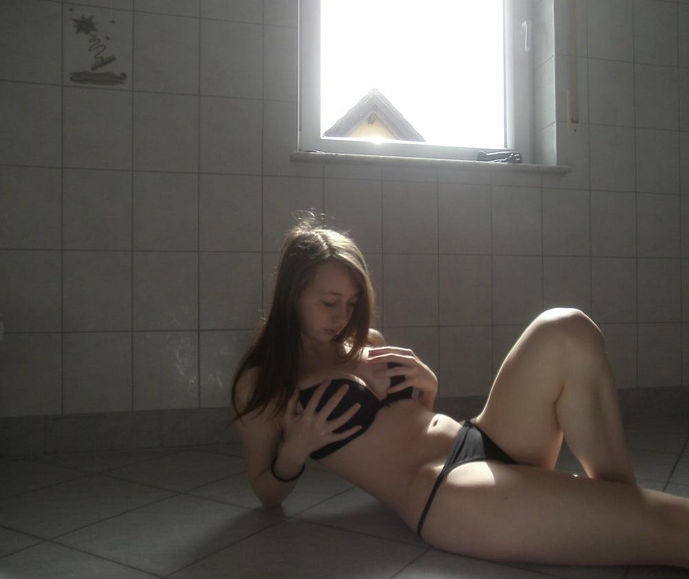 Huge tits nude selfie-7350