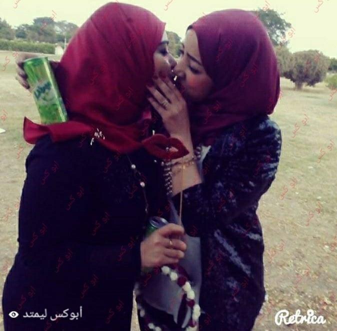 Lesbian navel kiss-9434