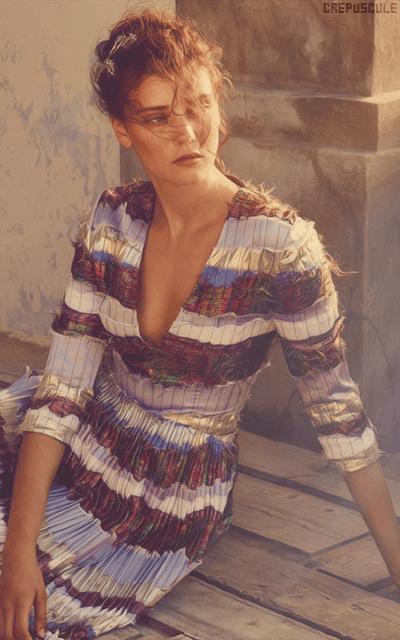 Diana Moldovan 5sxkKmwt_o