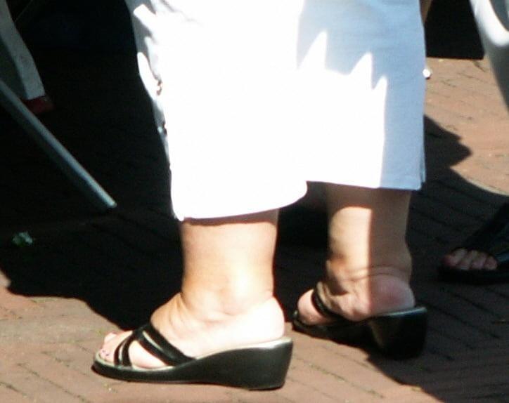 Old granny feet porn-2161