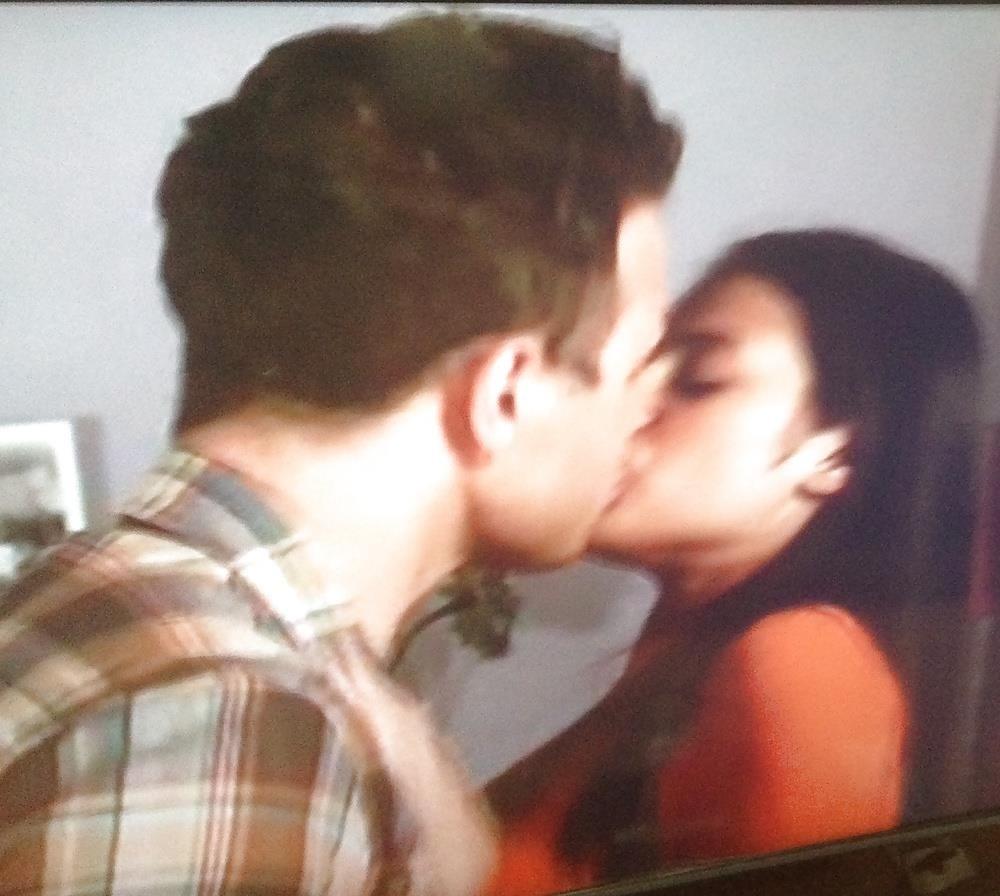 Black lesbians kissing pics-6483