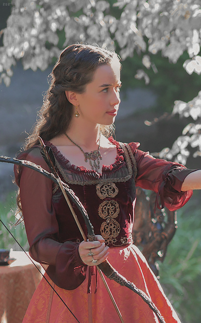 Anna Popplewell  - Page 2 ThHldQEY_o