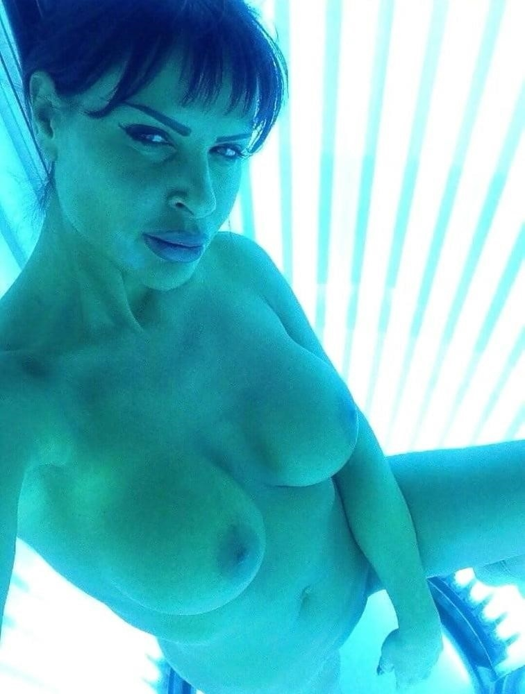 Nude tanning bed selfies-5099