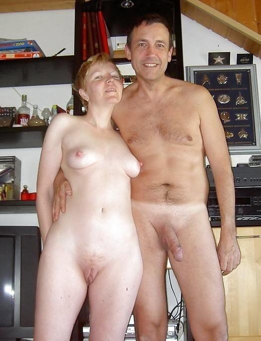 Mature couples copulating-1303