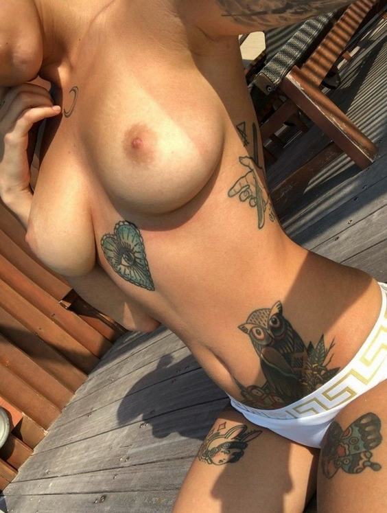 (((50))) Naked Tattoo Girls Nice Looking Chick With Ink | Nude and near nude female ink