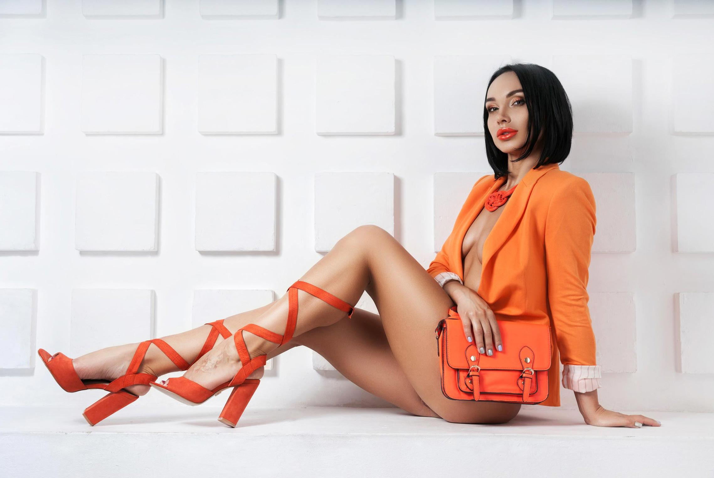 Олеся Левина и оранжевая мода / фото 01