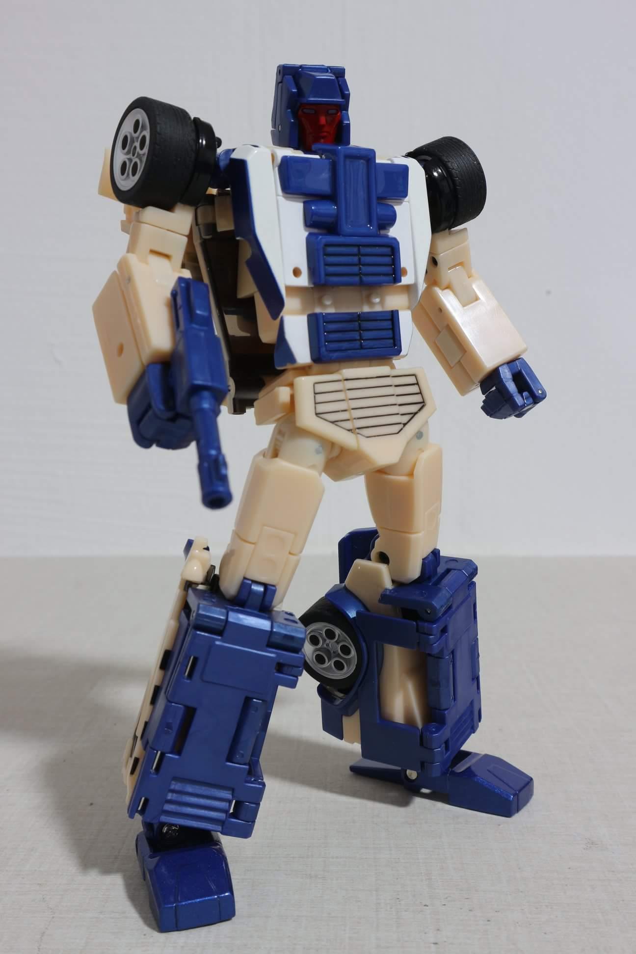 [X-Transbots] Produit Tiers - Jouets Berserkars forme Monolith (MX-XIII à MX-VII) - aka Stunticons forme Menasor/Menaseur - Page 2 E6Y2E17a_o