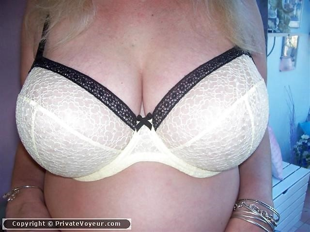 Sexy boobs in bra pics-2724