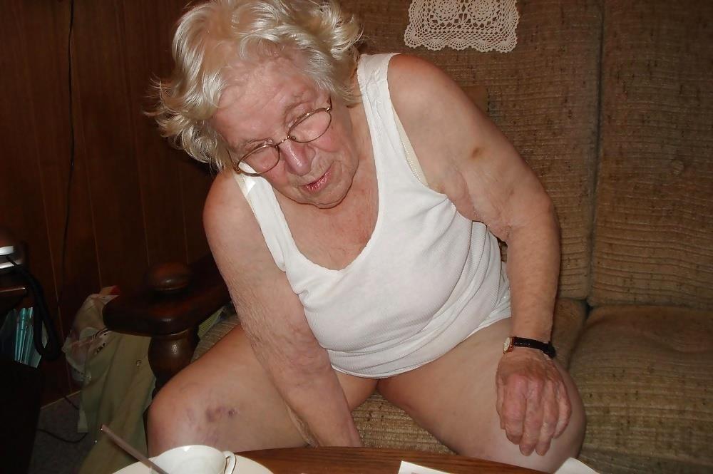 Chubby old granny porn-1812