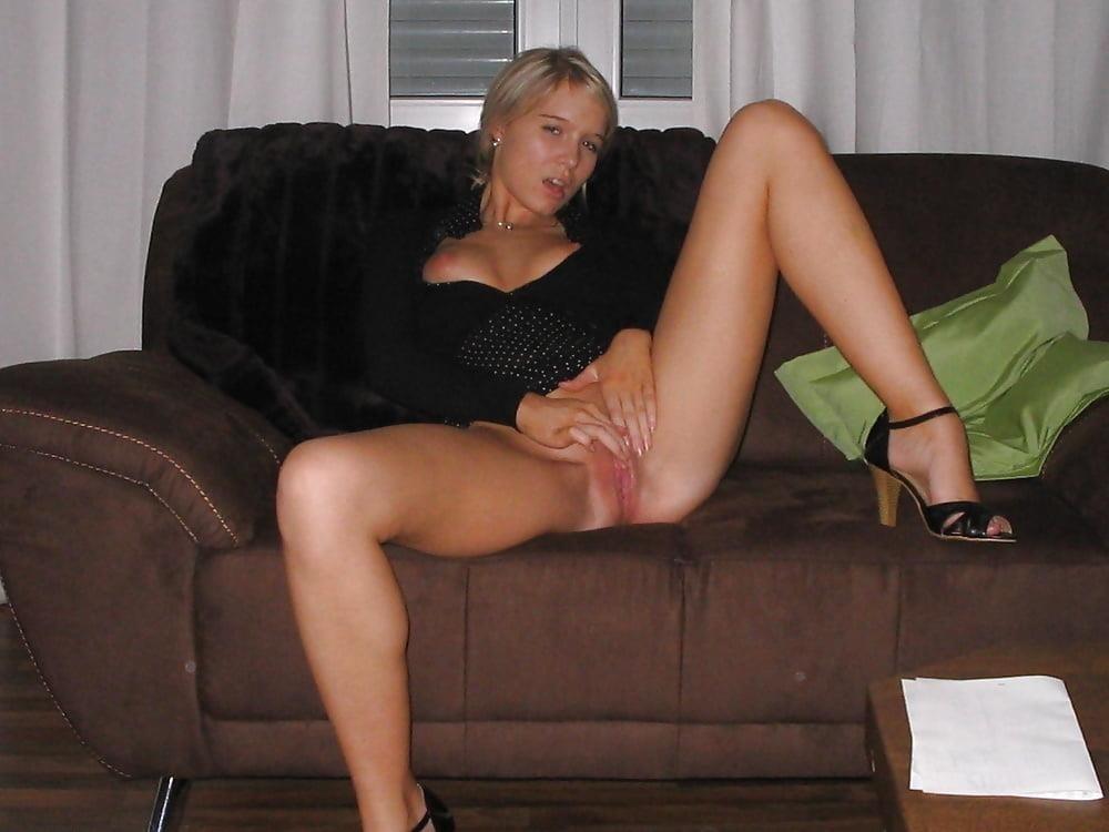 Public up skirt no panties-4179