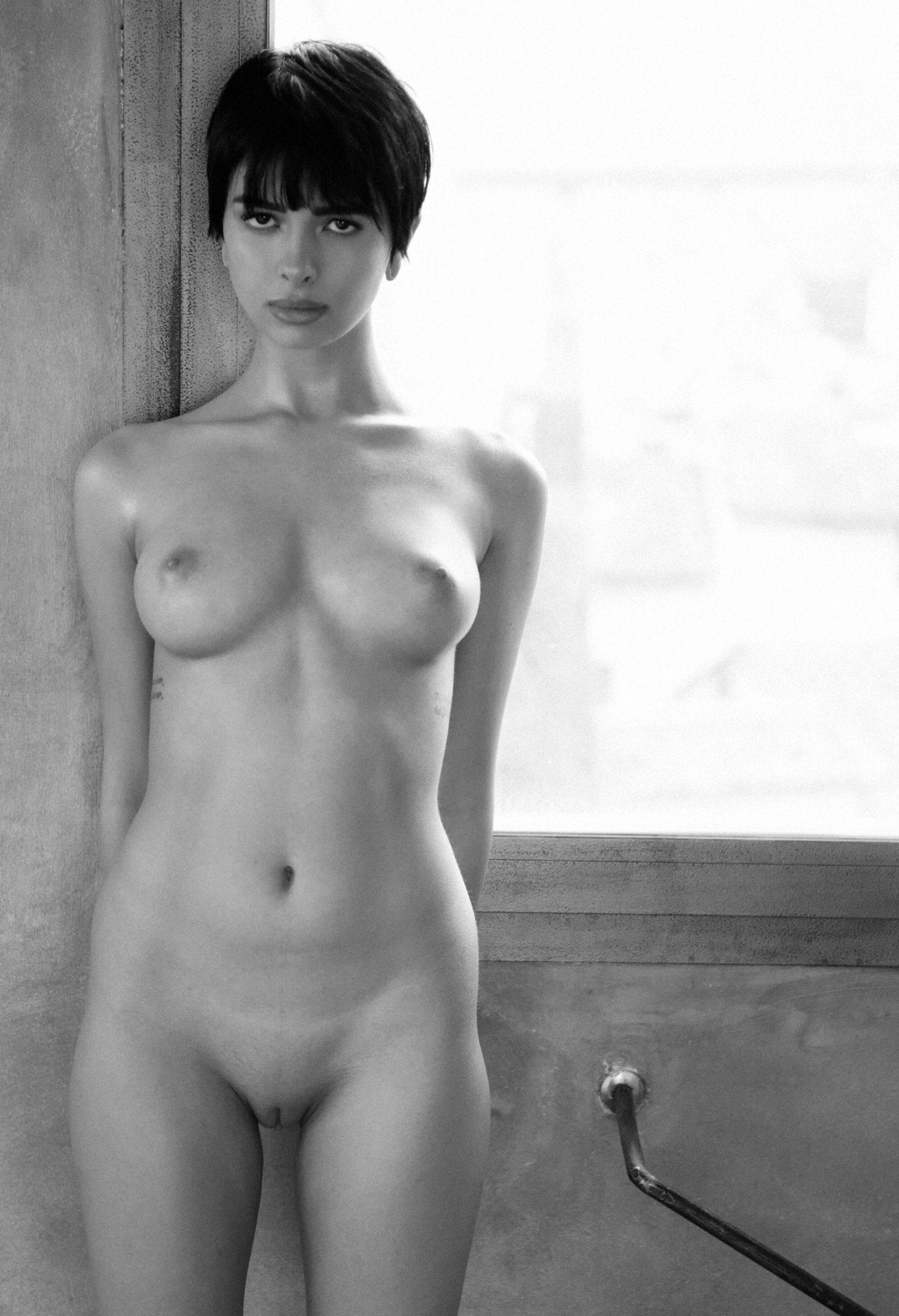 голая Таня у окна / фото 13