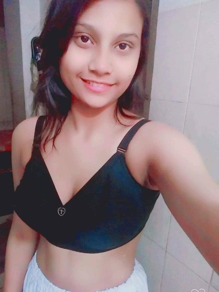 Naked school girl selfie-5964