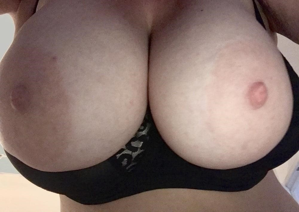 Lesbian big tit pic-8153