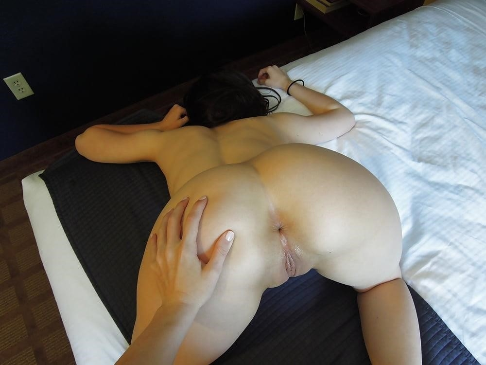 Very hot lesbians kissing-7036