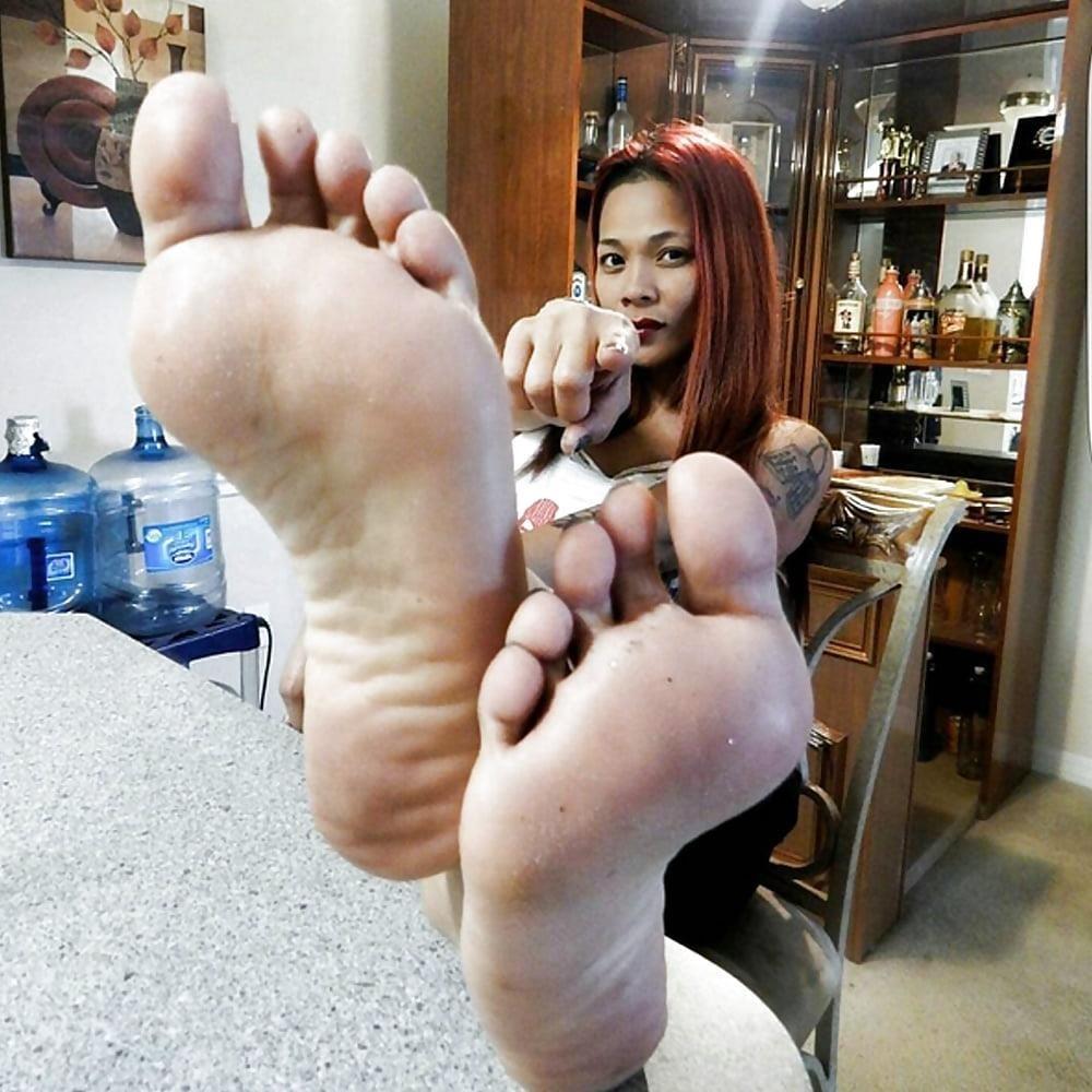 Worship my sweaty feet-8785