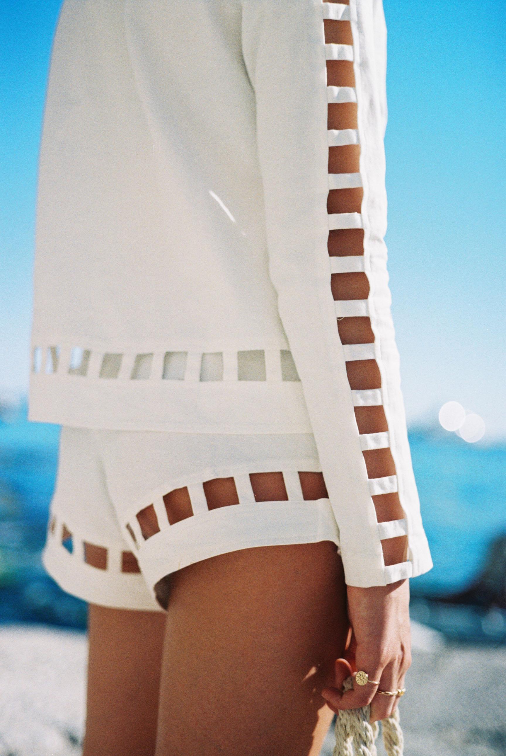 Бритни ван дер Стин в пляжной одежде модного бренда Rada Bryant, весна-лето 2020 / фото 08