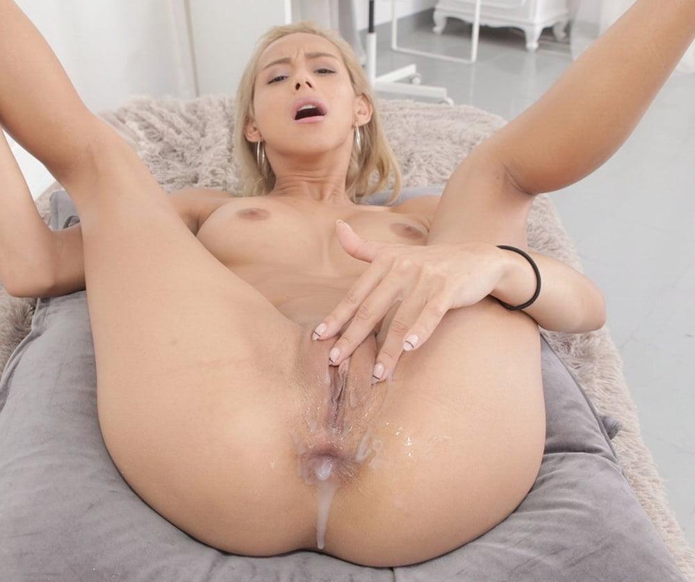 Girl looses virginity porn-4751