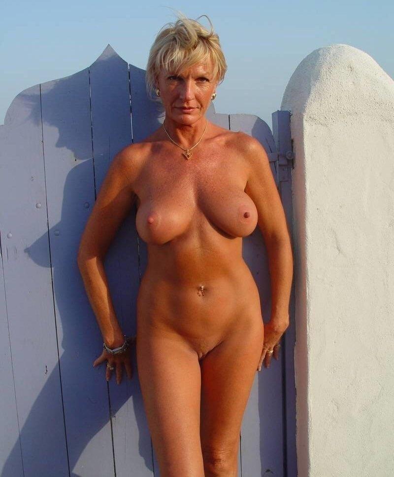Naked mature thai women-6922