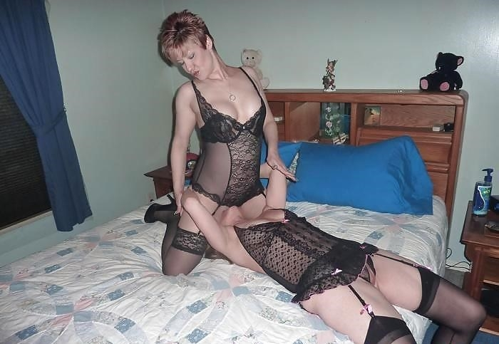 Lesbian milf and girl-4833