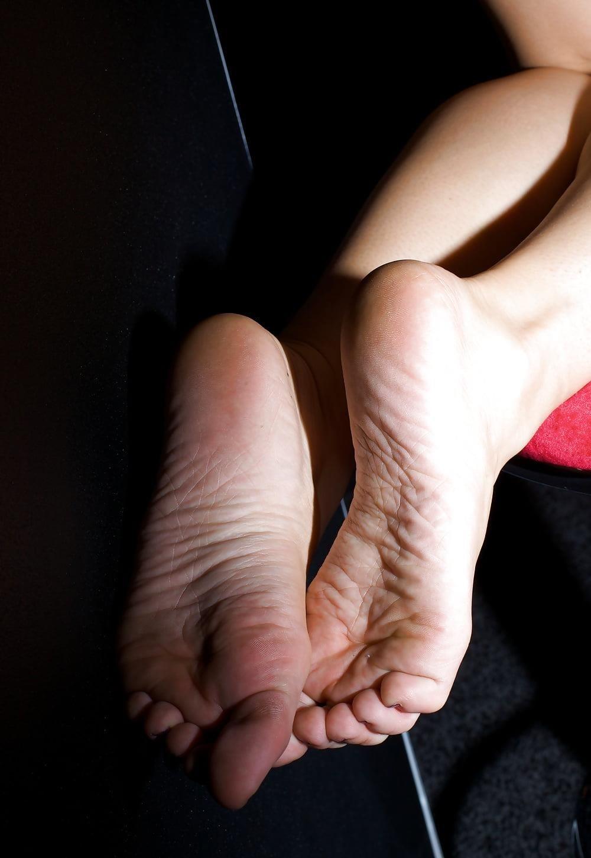 Dani jensen lesbian feet-3089