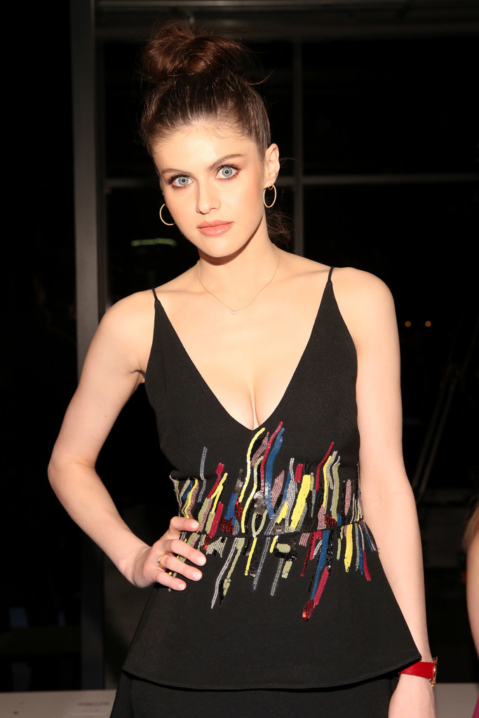 Alexandra Daddario @ Cushnie Et Ochs fashion show during New York Fashion Week in New York City – 02/09/2018