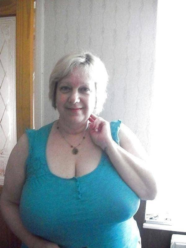 Busty granny porn pics-4944