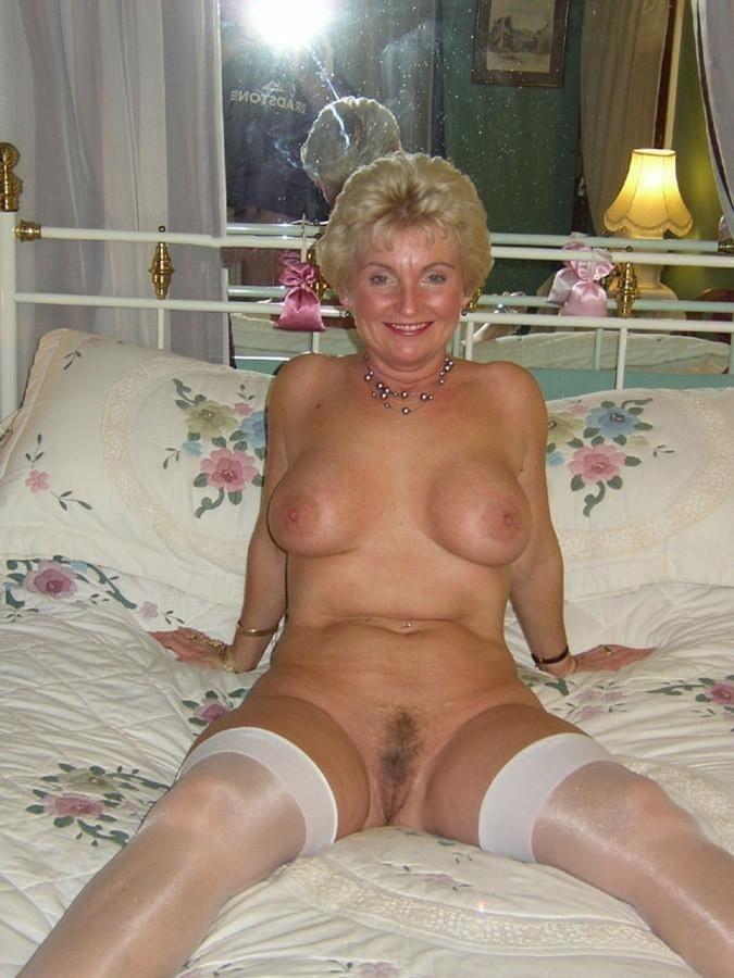 Older women cunnilingus-5651