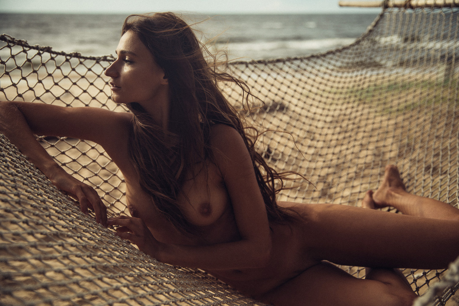 голая девушка в гамаке / Ilvy Kokomo nude by Thomas Agatz / in the Hammock