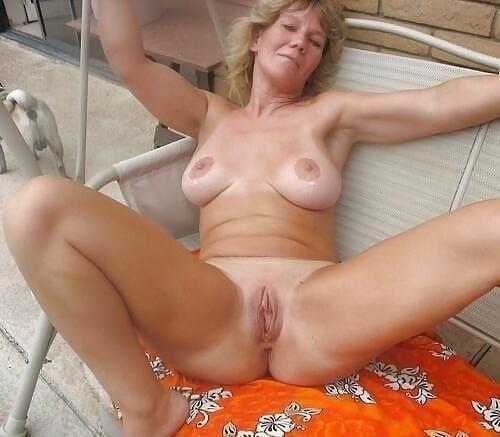 Lovely naked milfs-9392