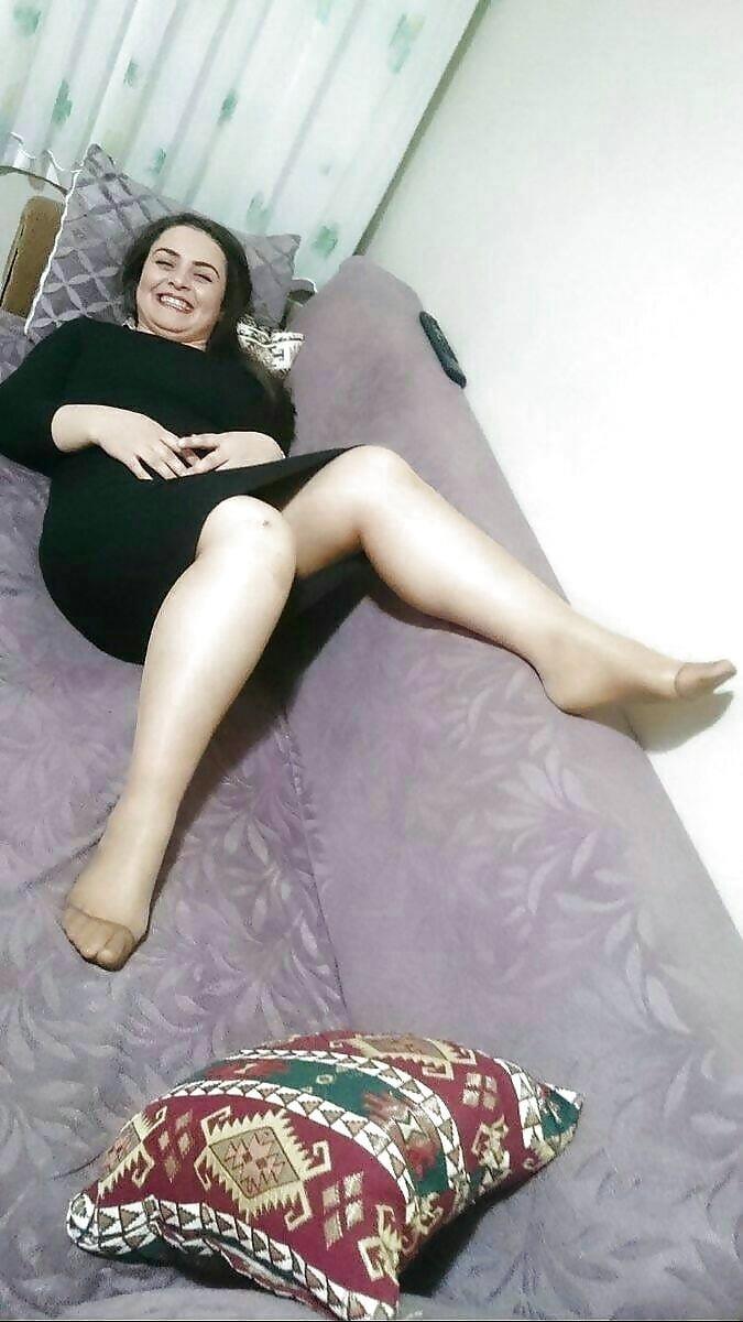 Arab foot slave-5227