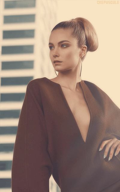 Bridget Malcolm - Page 3 X0xfyfad_o