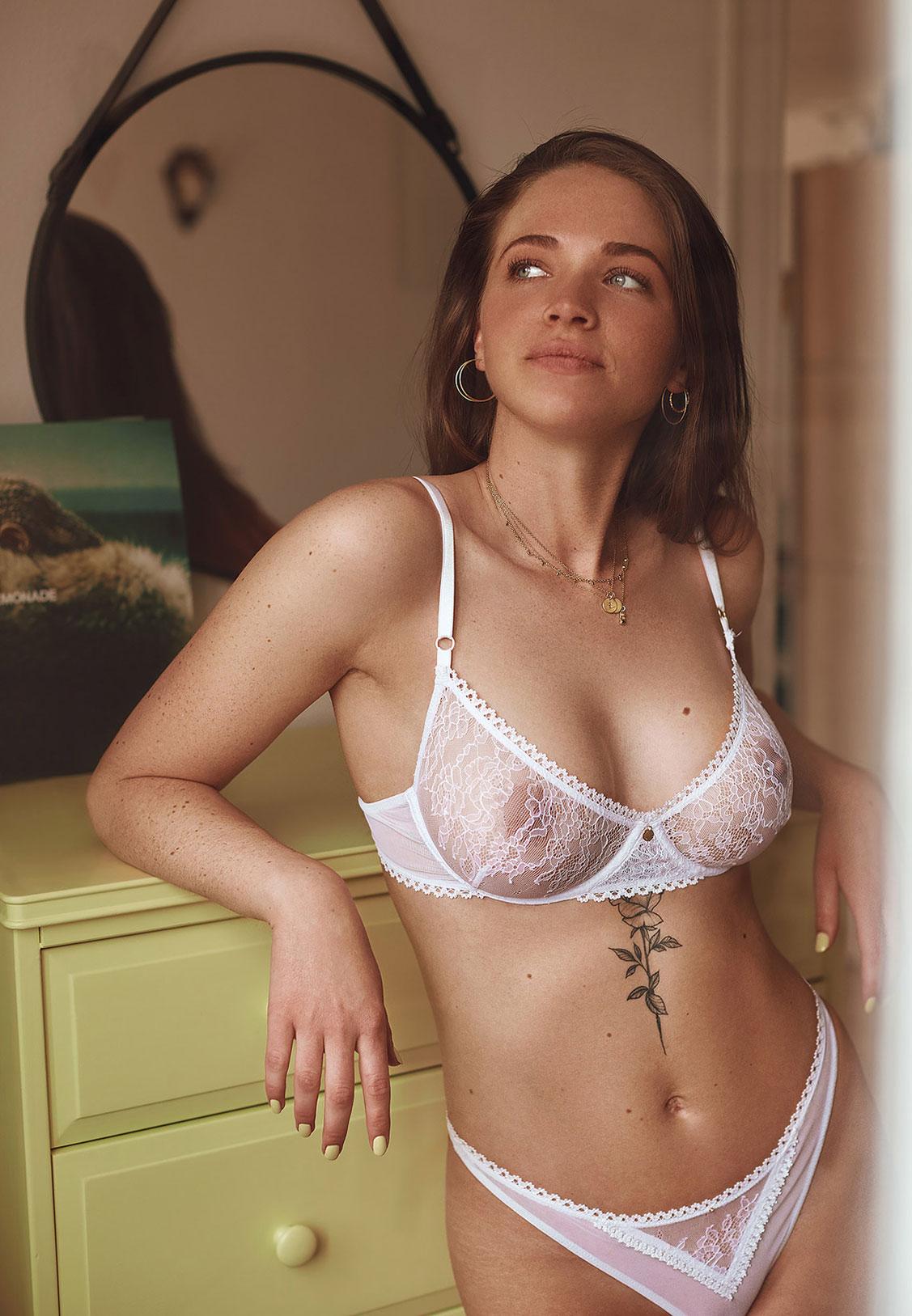 Симона кружевном в нижнем белье / фото 11
