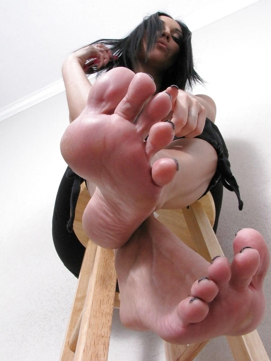 Worship my sweaty feet-2680