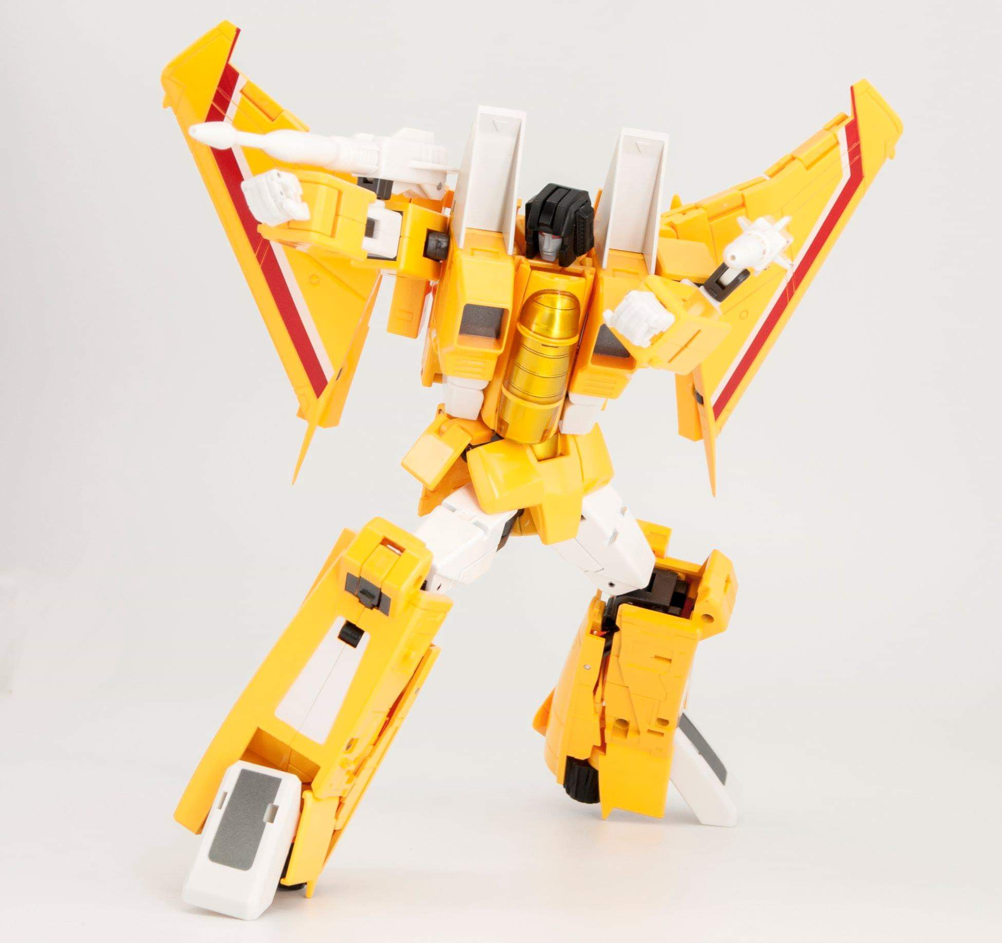 [Maketoys] Produit Tiers - MTRM - Seekers/Chasseurs Décepticons - Page 4 SuwSmoKh_o