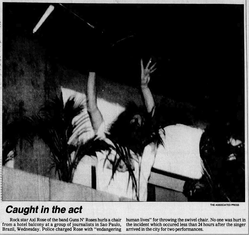 1992.12.11 - The Pantagraph/Associated Press - Police charge Rose with endangering lives 4Wp9DfJ2_o